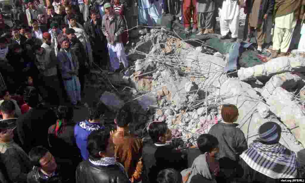 در حملات انتحاری روز شنبه، ۲۹ بهمن در شهر کويته پاکستان، ۸۵ تن کشته و حدود ۲۰۰ تن ديگر زخمی شدند.