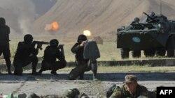 Кыргыз жоокерлери. Сүрөттүн макаладагы каармандарга тиешеси жок