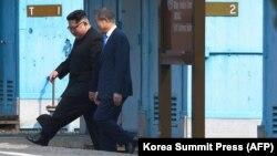 Kim Jong Un 1953-nji ýylda Koreý urşy tamamlandan soň, Günorta Koreýanyň territoriýasyna gadam basan Demirgazyk Koreýanyň ilkinji lideri boldy.