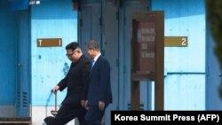 Kim Jong Un bëhet lideri i parë verikorean që shkelë në territorin e Koresë së Jugut që prej Luftës Koreane më 1953