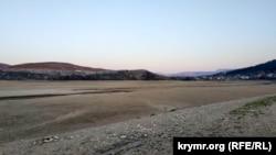 Зневоднення анексованого Криму спричинило знелюднення його степової зони, відтак, старий розподіл на ОТГ вже неактуальний