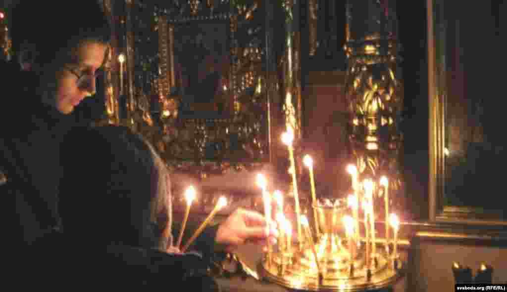 Сьвечкі запалілі у Петрапаўлаўскім саборы ў Гомелі