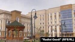 """Многопрофильный медицинский центр """"Истиклол"""" в Душанбе"""