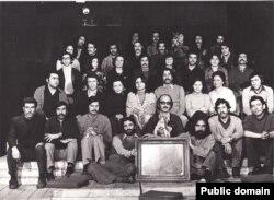 جمعی از هنرمندان خانه نمایش