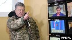 Президент Петро Порошенко на відкритті телевежі на горі Карачун, Донеччина, 5 грудня 2016 року