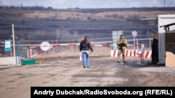 Збудований, але закритий український КПВВ біля Золотого-4