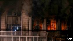 В минувшие выходные протестующие в Тегеране подожгли здание посольства Саудовской Аравии