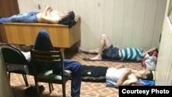 Безосновательный привод трудовых мигрантов в отделения полиции стал обычным явлением в России.