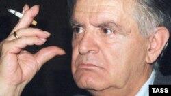 Фазиль Искандер, которому 6 марта исполнилось 84 года, не впервые выдвигается на Нобелевскую премию