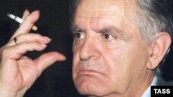 Фазиль Искандер. 1998-й год.