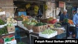 محل بقالة في احد اسواق عمان