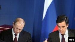 Российский и французский премьер-министры в Париже, 27 ноября 2009 г