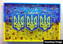 Інсталяція «Змій Горинич» американського художника Девіда Датуни
