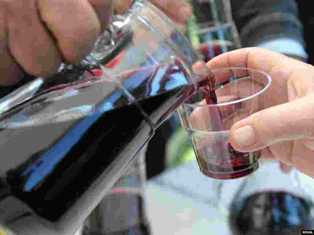 ოჯახური ღვინის დაგემოვნება