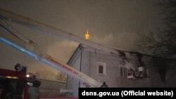 Гасіння пожежі на Лаврській вулиці
