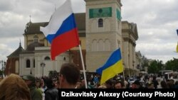 В Варшаве на акцию соладирности с Украиной вышли и представители России