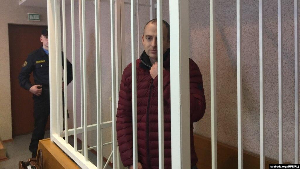 Блогер Александр Лапшин опроверг сообщение о попытке суицида в бакинской тюрьме