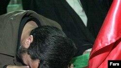محمود احمدی نژاد در ديدار با وزيران امور خارجه کشورهای فرانسه، انگلستان و آلمان، به آنان گفته است: «هرج و مرج بايد در جهان گسترش يابد تا خداوند بيايد».