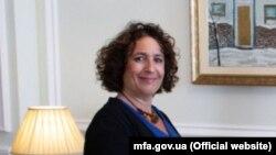 Посол Британії Мелінда Сіммонс
