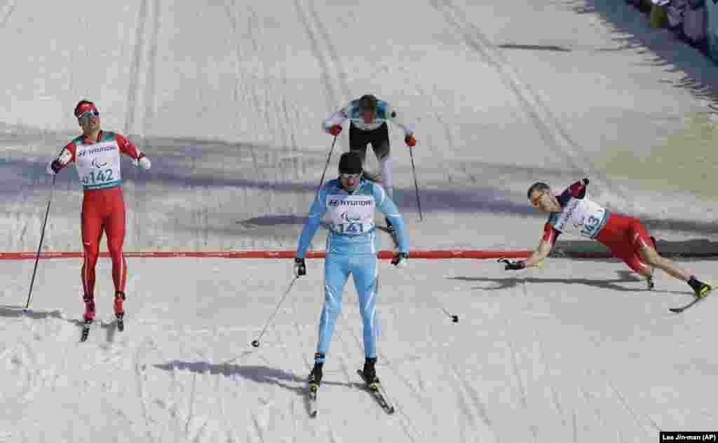 Қазақстандық Александр Колядин 1,5 шақырымдық шаңғы жарысында алтын алды. Ол 1997 жылы жол апатына ұшырап, бір аяғынан айырылған. Жарысқа протезбен қатысты.