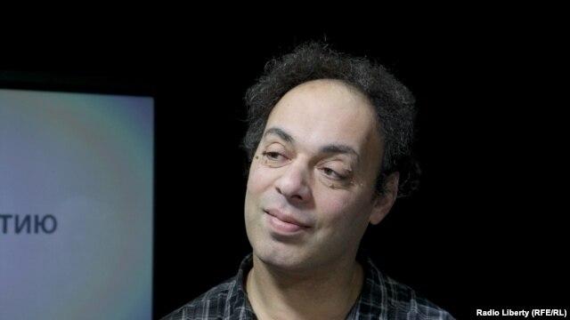 Александр Мельман, телевизионный критик в российской ежедневной газете «Комсомольская правда».