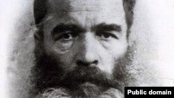 Aleksey Kosterin, uquq qorçlayıcı, dissident. Kolımada apiste bulunğan soñ çıqarılğan resim, 1946-47 s.