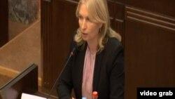 Натия Турнава выступает перед парламентариями, 7 июня 2019 г.