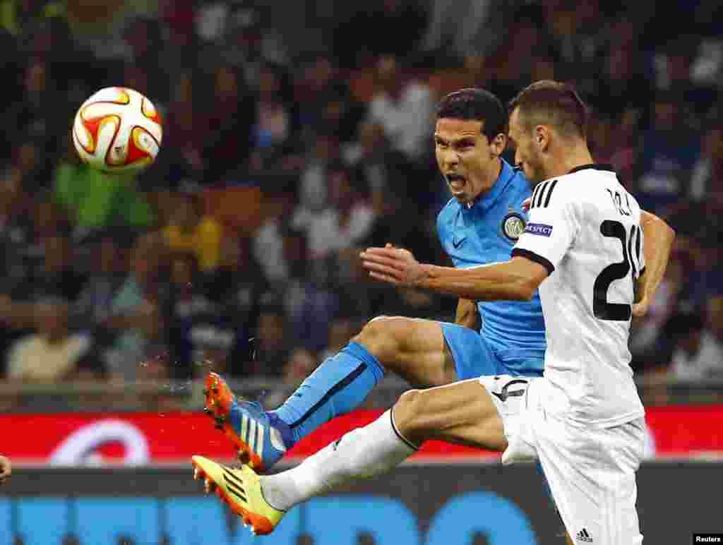 Inter Milandan Hernanes ilə Qarabağlı Admir Telinin dueli