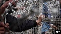 Грекия-Македония шекарасында тұрған мигранттар. 29 ақпан 2016 жыл.