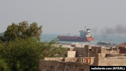 Iran Continues to Ship Food To Qatar