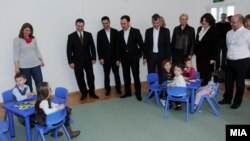 """Премиерот Никола Груевски присуствува на пуштањето на детска градинка """"Сонце"""" во скопската општина Аеродром."""