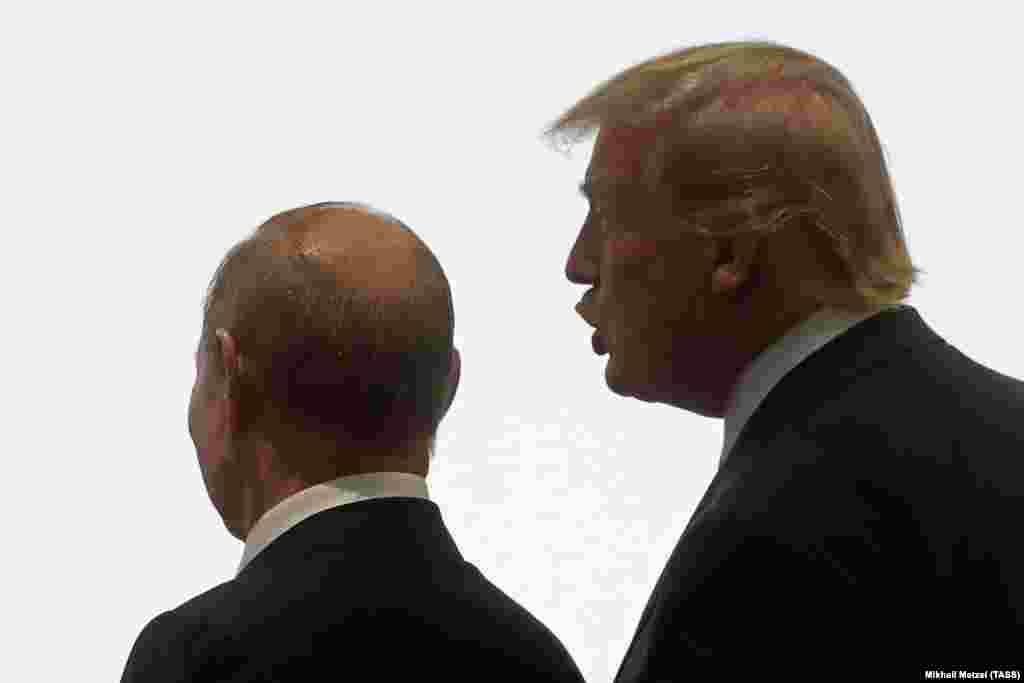 САД / РУСИЈА - Американскиот претседател, Доналд Трамп, телефонски го информирал неговиот руски колега, Владимир Путин, дека наскоро ќе назначи нов американски амбасадор во Москва, соопшти портпаролот на Кремљ, Дмитриј Песков.