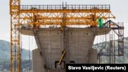 Radovi na izgradnji autoputa Bar-Boljare, jun, 2018.