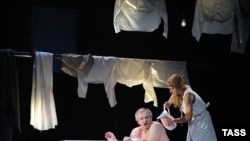 Russia -- a scene from Yevgeny Arie's production of Enemies, A Love Story, 03Feb2011