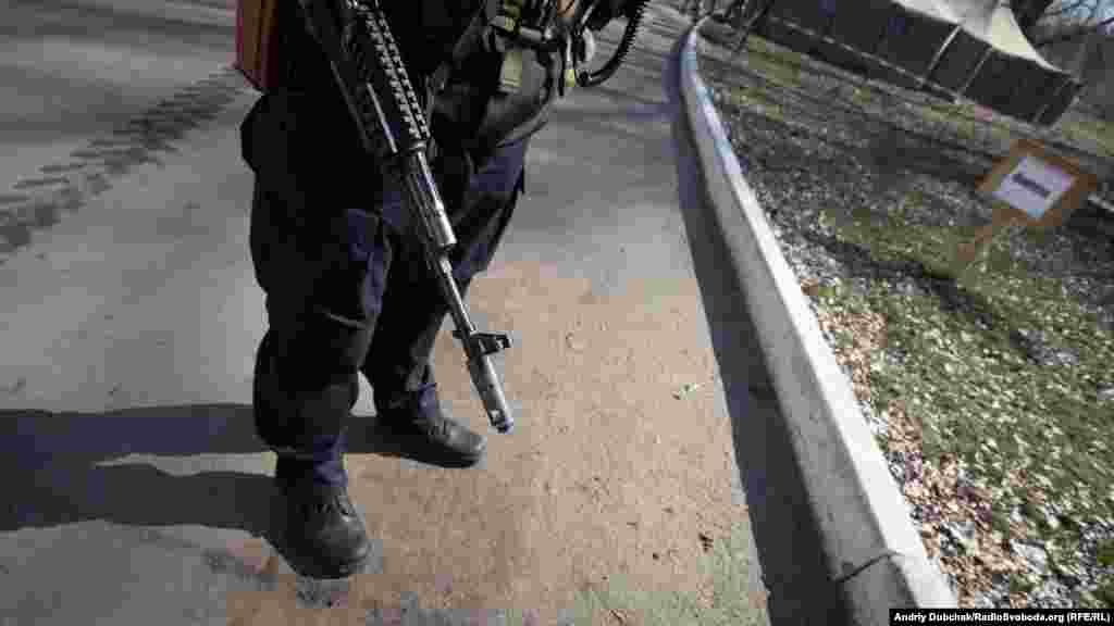 Усі дільниці міста у день виборів охоронялися воєнізованими загонами поліції