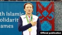 Айсулуу Тыныбекова с золотой медалью IV Исламских игр солидарности.