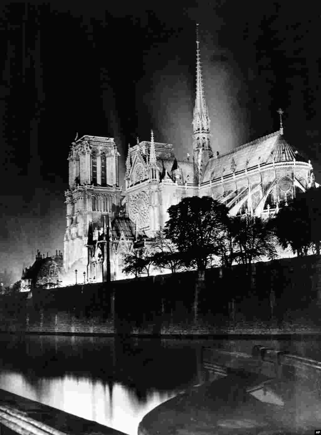 A nighttime view in 1933.