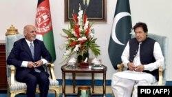 دیدار عمران خان صدراعظم پاکستان (راست) با محمد اشرف غنی رئیس جمهور افغانستان در اسلام آباد. June 27, 2019