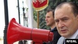 Ігор Желізко під час акції протесту проти нападів на журналістів в Україні, 18 червня 2010 року