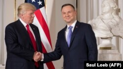 АҚШ президенті Дональд Трамп пен Польша президенті Анджей Дуда. Варшава, 6 шілде 2017 жыл.