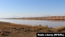 Ауғанстанның Тәжікстанмен шекарасы маңындағы өзен. 22 желтоқсан 2017 жыл
