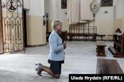Старшыня Саюзу палякаў Беларусі Анжаліка Борыс у нарачанскім касьцёле