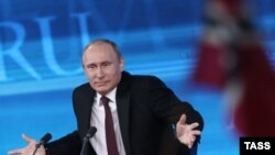 Putin gjatë konferencës maratonike për gazetarë në Moskë