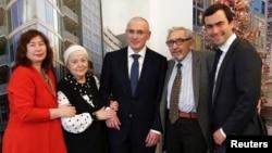 Михайло Ходорковський в оточенні першої дружини, батьків і старшого сина