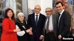 Михаил Ходорковский с семьей в Берлине перед пресс-конференцией 22 декабря