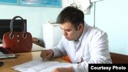 Бахтияр Камалов, заведующий отделением скорой помощи Аксуской районной больницы Алматинской области. 19 января 2016 года.