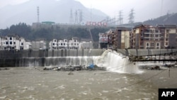 Архіўны здымак пасьля землятрусу ў правінцыі Сычуань ў 2010 годзе, які выклікаў паводкі.
