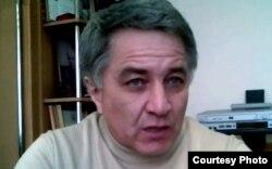 "ГΙабашилов ГΙабаш, ""Молодежь Дагестана"" газеталъул бетΙерав редактор"