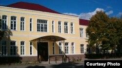 Сегодня в Югоосетинском госуниверситете учится более трех тысяч студентов, на 23 кафедрах работает 396 сотрудников