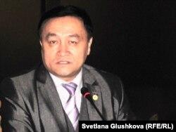 Тастемир Абишев, секретарь комиссии по правам человека при президенте Казахстана. Астана, 18 октября 2011 года.